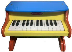 Melissa & Doug Learn-to-Play Piano 8960 Used But In VERY GOOD CONDITION!!