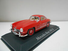 MERCEDES-BENZ 300 SL W198 GULLWING RED  RBA IXO + TAPA URNA DE METACRILATO  1/43