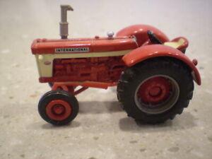 ERTL 1/64 DIECAST INTERNATIONAL 660 FARM TOY TRACTOR 1999 TOY FARMER EDITION