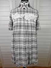 Ann Taylor LOFT Pullover Tunic Shirt Womens Extra Small White Gray Plaid Top XS