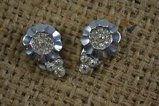 VINTAGE 1940s pair of paste glass dress/fur clips rhodium plated flowers small