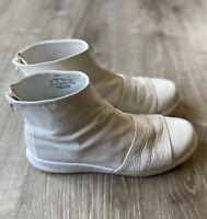 819683-100 NikeLAB Women's Benassi Lux Boot White/White Size10