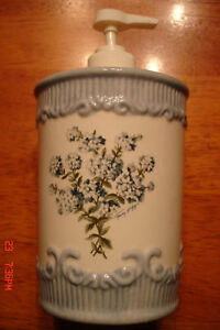 Tommy Hilfiger Blue Floral Hand Cream Lotion/Soap Pump Dispenser FREE GIFT rare