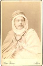 Jean Geiser, Alger, homme en turban Vintage albumen print. Carte cabinet Tirag