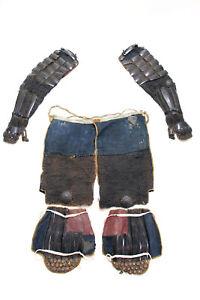 Japanesae Three tools Armor Yoroi from Edo-Period Gauntlet, Haidate, Shin pad