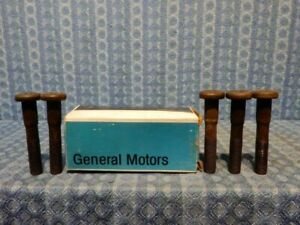 1973 1974 Chevrolet & GMC 30 Series Dual NOS GM Box of 5 Rear Hub Bolts #334386