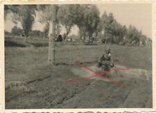 Nr19511 Foto 2 Weltkrieg Kradmelder am Vormarsch Motorrad  6 x 8,5 cm