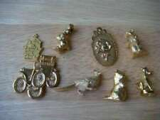 Fèves anciennes de collection en métal