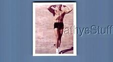 GAY INTEREST PHOTO R+0075 SHIRTLESS BEEFCAKE POSED FLEXING MUSCLES
