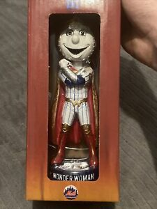 Mrs Met as Wonder Woman Bobblehead Marvel New York Mets Superhero SGA May 7 8 9