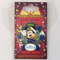 Disney Parks 2020 Wreath Pin Happy Holidays Yacht Club Resort Mickey LE 1500