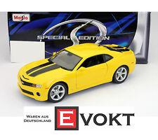 Chevrolet Camaro SS RS 2010 yellow / black, model car 1:18 / Maisto