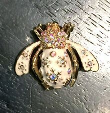 Joan Rivers Snow Bee Pin