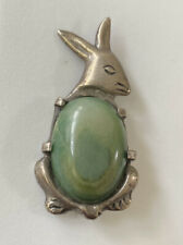 LARGE VINTAGE EARLY SILVER MEXICO JADE CABOCHON RABBIT FIGURAL BROOCH PIN