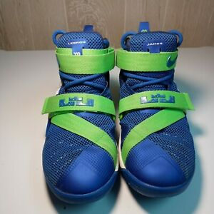 Nike Zoom Lebron Soldier IX 9 Size 4.5 youth US Royal Lime FREE SHIPPING 😜
