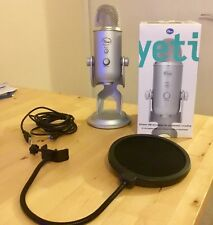 Silver Blue Microphones Yeti USB Microphone With Pop Filter