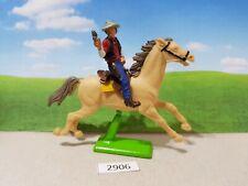 Britains deetail Wild West Cowboy on horseback (lot 2906)