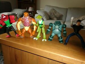 BEN 10  LARGE DELUX figures  FOURARMS- Crashhopper-NRG-BEN- HUMUNGOSAUR