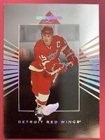 1994-95 Donruss Leaf Limited #120 Steve Yzerman Detroit Red Wings