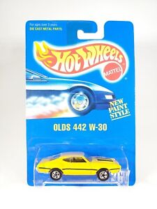 1991 Hot Wheels Blue Card # 267 OLDS 442 W-30 YELLOW NEW NOC 1:64 Diecast