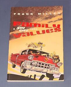 FRANK MILLER Family Values A Sin City Yarn DARK HORSE 1st Edition 1997 VF/NM