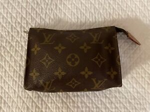 100% AUTHENTIC LOUIS VUITTON TOILETRY COSMETICS POUCH BAG 15 FRANCE FREE SHIP