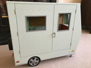 American Girl Lanie's Camper and accessories excellent condition