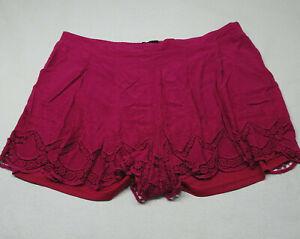 Torrid Size 3 Women's 22-24 3X Pink Scalloped Soft Short