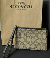 NWT Coach  Outline Signature Corner Zip Wristlet Khaki Brown F58033 $68