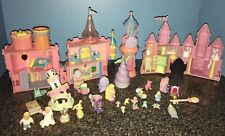 1994 & 1995 TRENDMASTERS CASTLES AND LOTS OF MISC ACCESSORIES