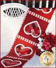 PATCHWORK VALENTINE TABLE RUNNER Shabby Fabrics Table pattern Quilting