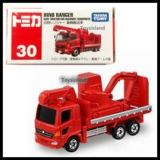 TOMICA #30 HINO RANGER HEAVY CONSTRUCTION MACHINERY TRANSPORTER TOMY 2016 JUNE R
