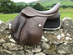 """Bates All Purpose GP Saddle with CAIR 18"""" (46cm) Brown Adjustable N To XW"""