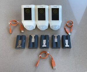 Ring Spotlight Camera 3 camera's 5 batteries
