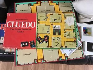 Vintage waddingtons Cluedo 1972  edition The great detective family board game