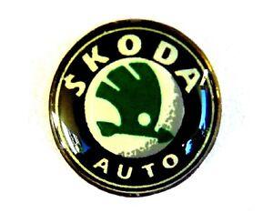AUTO Pin / Pins - VW / VOLKSWAGEN SKODA LOGO dezent & edel / Softemaille