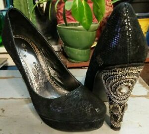 Naughty Monkey Black Leather Platform Heels Lace Pattern Embellished Heel Sz 6