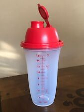 TUPPERWARE QUICK SHAKE CUP 16 OZ-IN RED COLOR !!!!