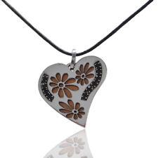 Ciondolo cuore acciaio bicolore con strass neri e decoro fiore -incisione gratis