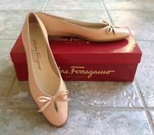 RARE Salvatore Ferragamo EXTRA NARROW 6-1/2 AAAA LAMU Beige Leather Heels Shoes