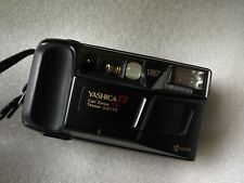 YASHICA T3 Super 35 mm T * Carl Zeiss Terry Richardson culte point and shoot camera