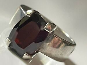 Vintage 70's chunky sterling silver and garnet stone ring band size M