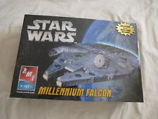 AMT/ERTL Millenium Falcon