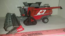 1/64 ertl farm toy custom agco massey Ferguson 9565 canadian combine with tracks