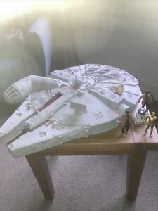 Star Wars Millenium Falcon And Figures