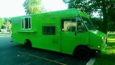 Diesel Chevrolet P30 Step Van Kitchen Food Truck / Used Mobile Kitchen Unit for