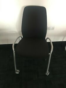 MEETING ROOM / OFFICE CHAIR WITH WHEELS - BLACK - VGC