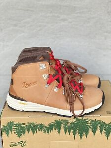 Danner Mountain 600 Boots Saddle Tan Men's Size 9.5 D Hiking 62246