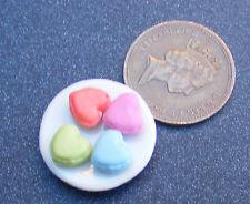 1:12 Maßstab Keramik 2cm Platte von 4 Lose Herz Kuchen Tumdee Puppenhaus PL100