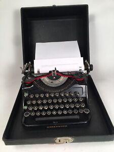 Vintage 1930's Underwood Universal Portable 4 Bank Typewriter & Case